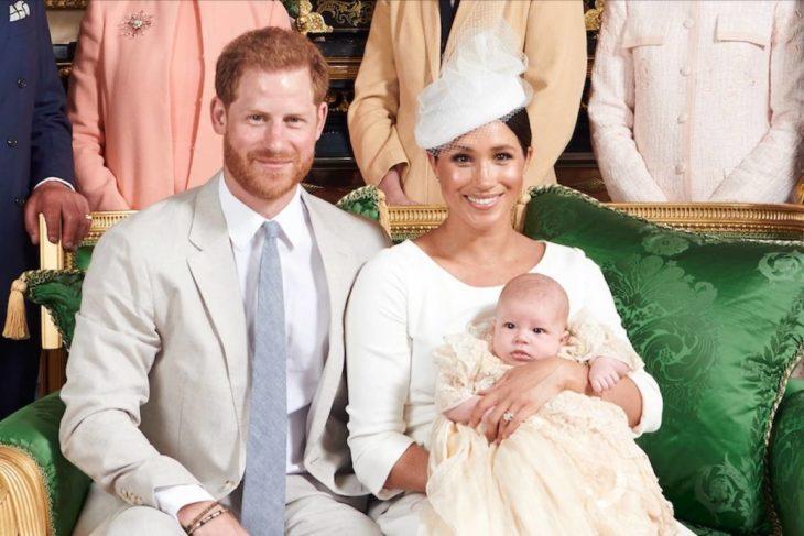 Meghan Markle con su hijo sea y el príncipe Harry