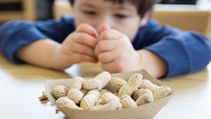 Los frutos secos son peligrosos para los niños