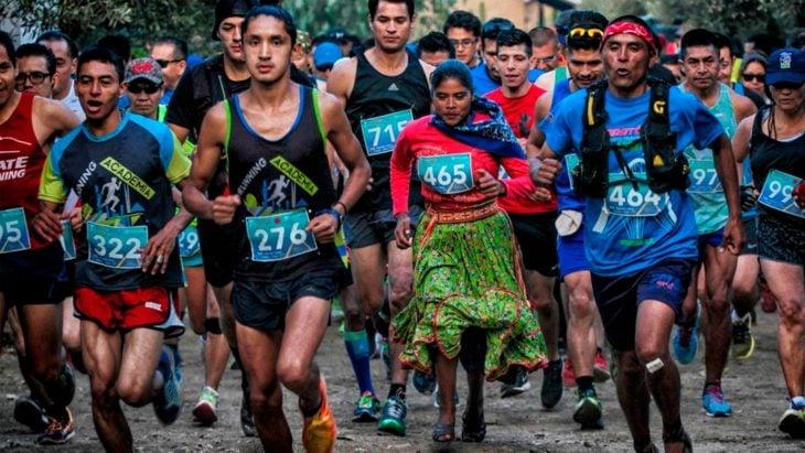 Lorena Ramírez la corredora rarámuri en una carrera