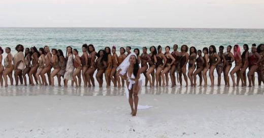 Novia lleva a 34 damas de honor para el día de su boda