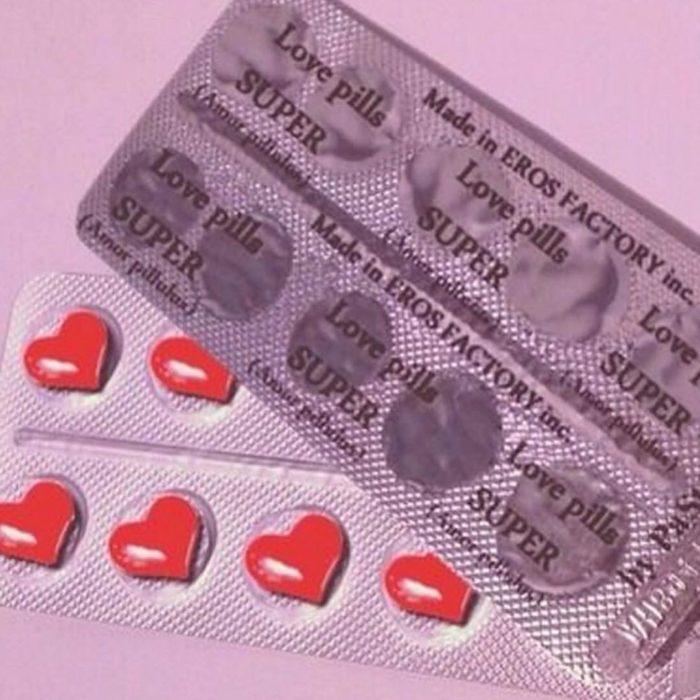 Científico crea las pastillas para que él se enamore de ti