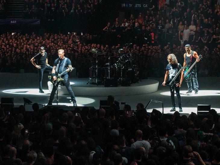 Metallica en un escenario
