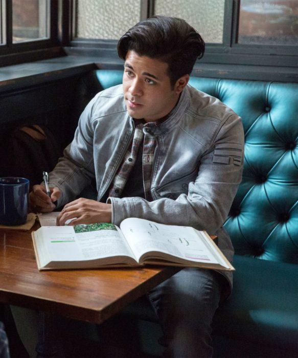 Serie de Netflix y Selena Gomez, 13 reasons why, tráiler de temporada 3, Christian Navarro como Tony Padilla