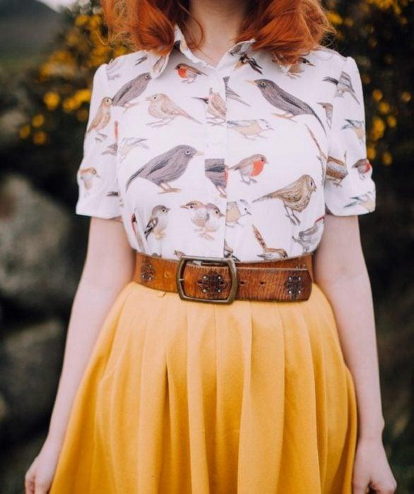 Blusas con estampados bonitos y kawaii; camisa blanca con pájaros