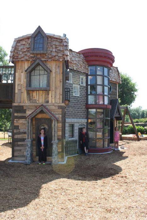 Casa de juegos inspirada en Harry Potter con diferentes estructuras