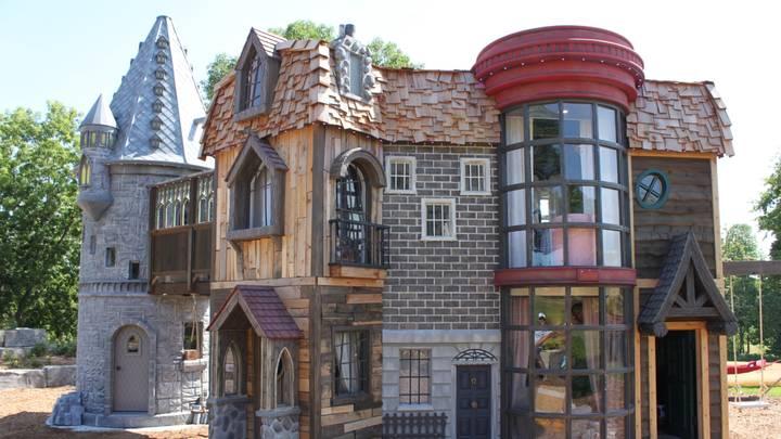 Casa de juegos inspirada en Harry Potter con diferentes estructuras y diseños