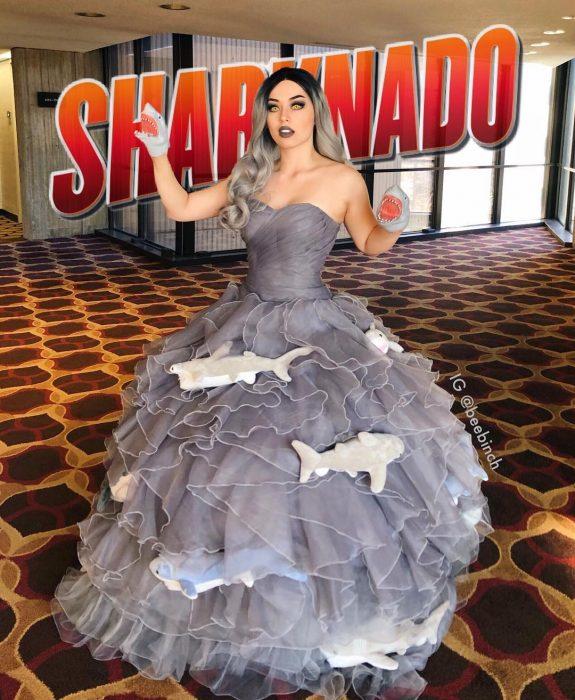 Mira Park hace divertidos cosplays; disfraz de película Sharknado
