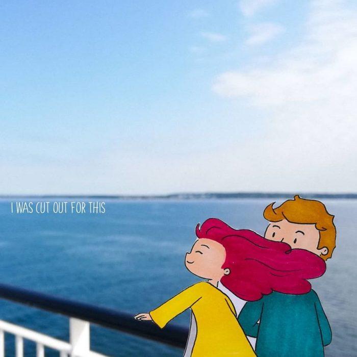 Ilustraciones de Ana Stretcu durante sus vacaciones, junto a su novio en la orilla del mar