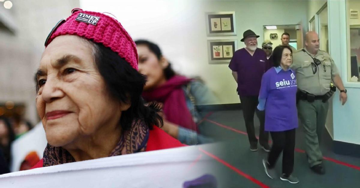 Dolores Huerta, activista de 89 años es arrestada en Fresno durante protesta laboral