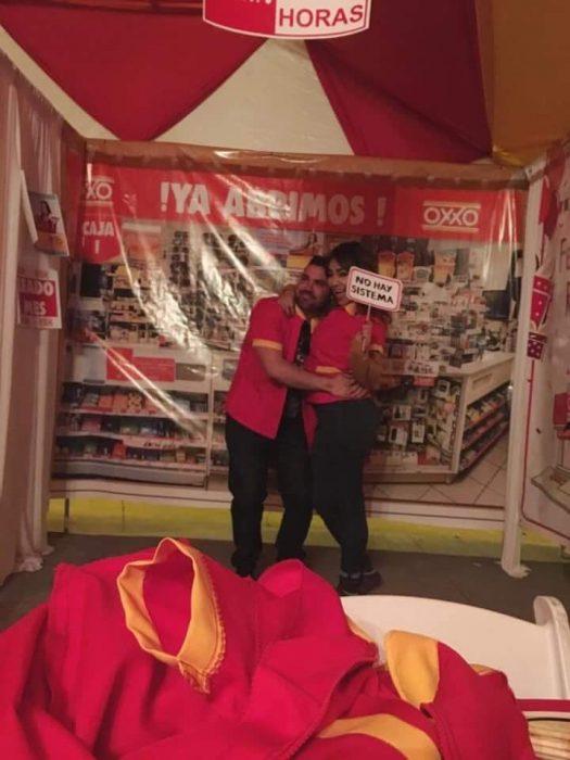 Niña celebra fiesta de ocho años con temática de Oxxo disfrazada de cajera