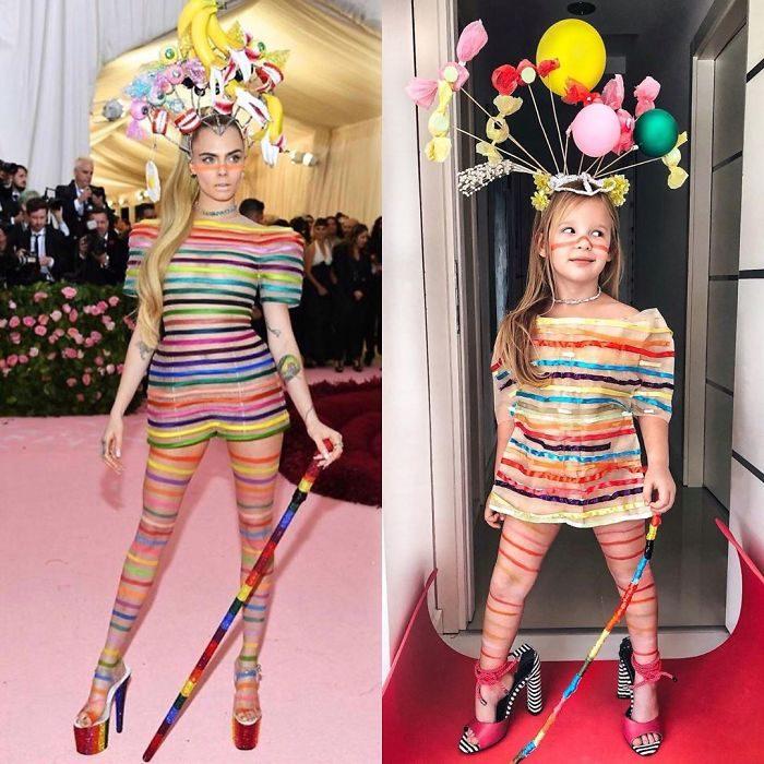 Cara Delevigne junto a Alya Chaglar llevando un vestido similar creado por Stefani Chaglar