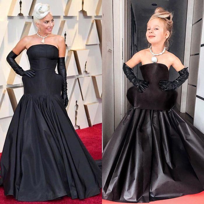 Lady Gaga junto a Alya Chaglar llevando un vestido similar creado por Stefani Chaglar