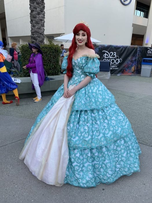 Chica con cosplay de Ariel, La Sirenita, Expo D23, Disney