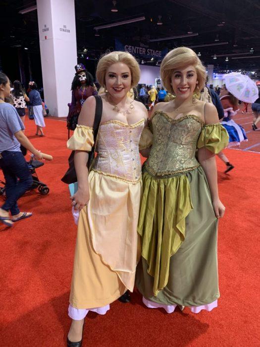 Cosplay inspirado en las damas de Gaston, La Bella y La Bestia, Expo D23, Disney