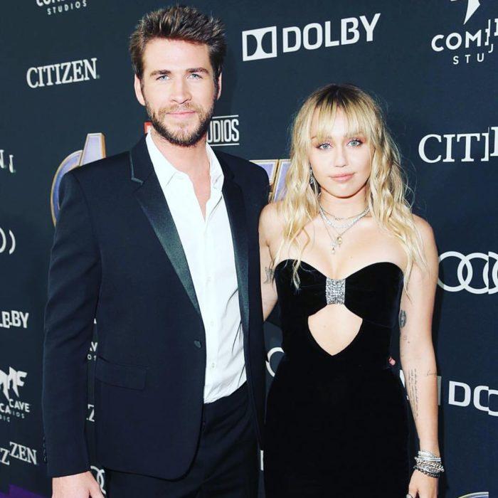 Miley Cyrus y Liam Hemsworth durante la presentación de la película de los Avengers