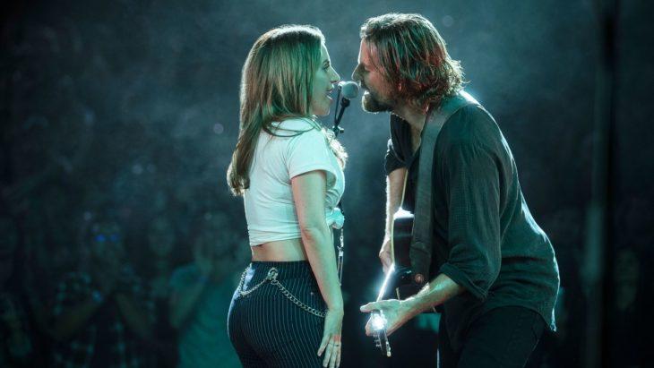 Lady Gaga y Bradley Cooper candanto Shallow
