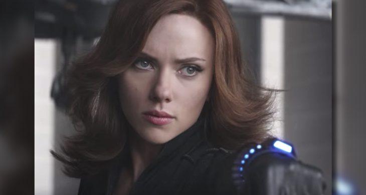 Scarlett Johansson personificando a Black Widow