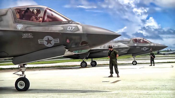 Avión F-35B iniciando avance
