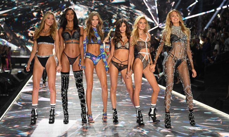 Ángeles de Victoria's Secret en desfile de 2018