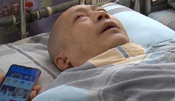 Li Zhihua despertó después de cinco años de estar en coma