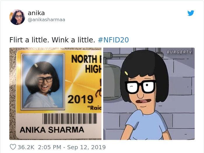 Chica en su foto de credencial escolar disfrazada como Tina de Bob's Burgers