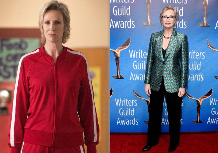 Jane Lynchen 2009 en el programa glee y después en la alfombra roja de los premios de la academia