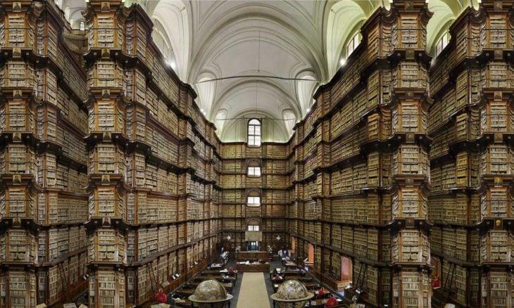 Biblioteca Angélica en Roma, Italia