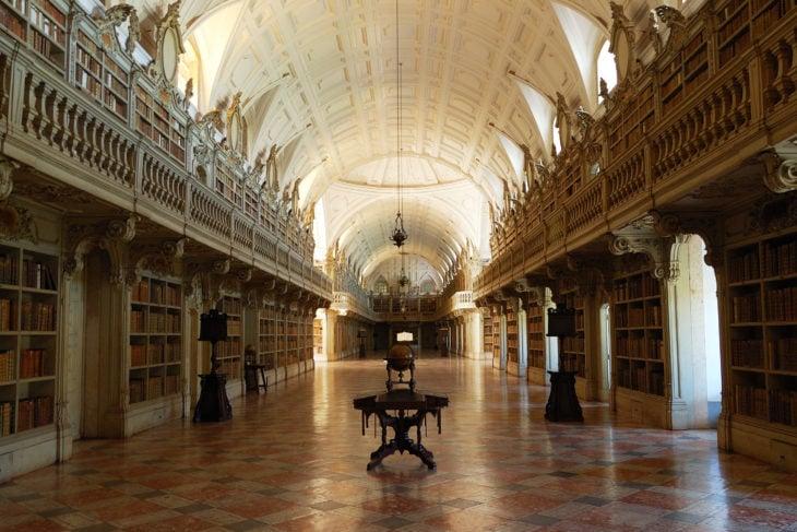 Biblioteca del Palacio de Mafra en Mafra, Portugal
