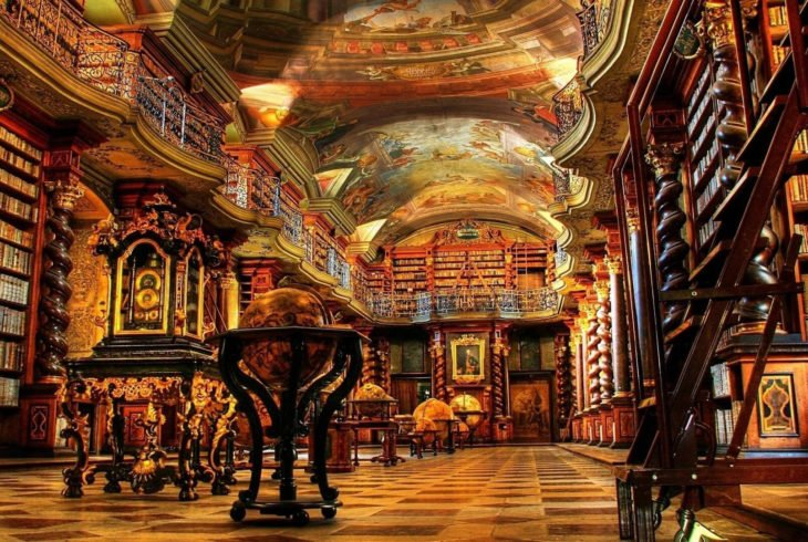 Biblioteca Nacional Clementinum