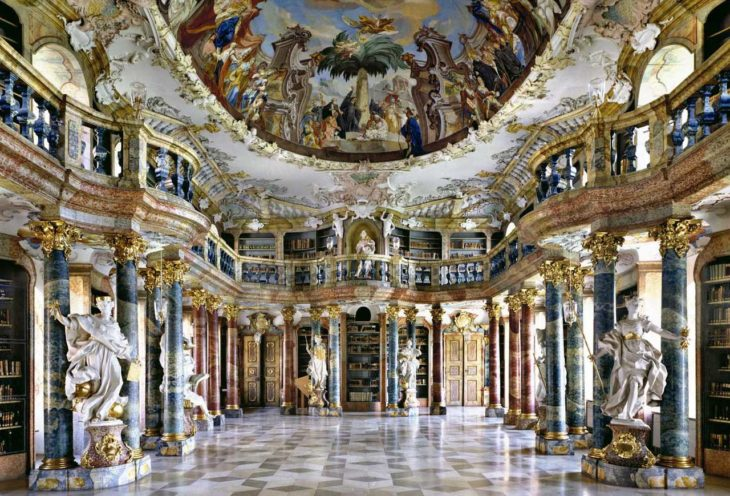 Biblioteca del monasterio de Wiblingen, Ulm, Alemania.