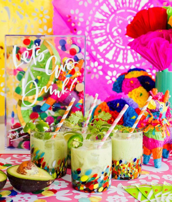 Fiesta temática de aguacate; bebidas de aguacate y jalapeño