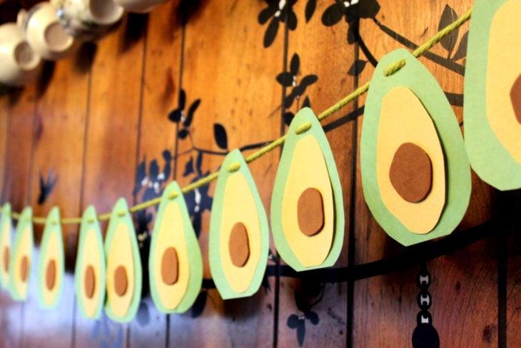 Fiesta temática de aguacate; adornos de pared