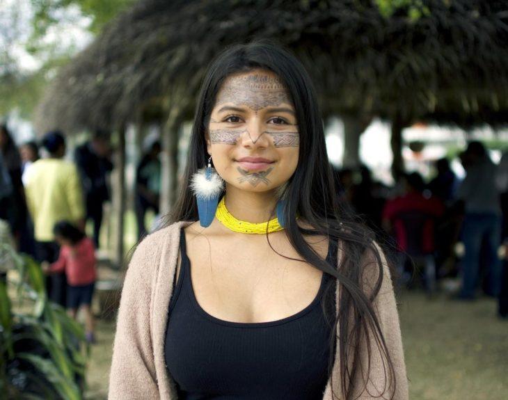 Helena Hualinga, niña activista a favor del medio ambiente