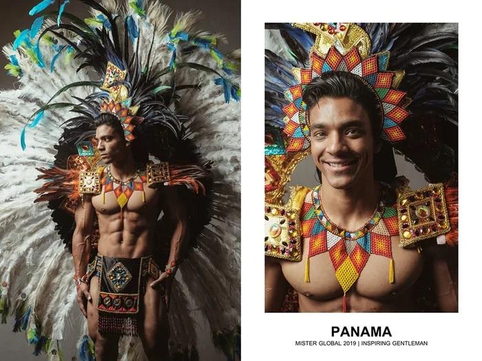 Hombre concursante de Mister Global se visten con su traje regional de Panamá