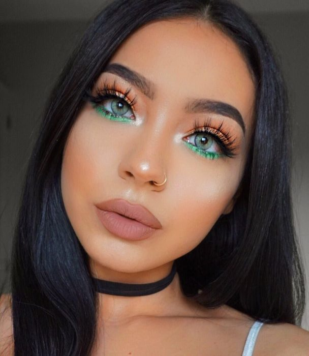 Maquillaje creativo para ojos; sombra bicolor
