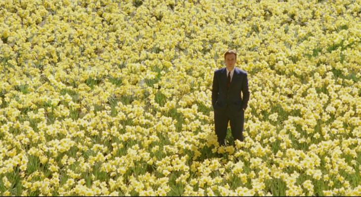 Ewan McGregor en Big Fish, escena en el campo de flores amarillas