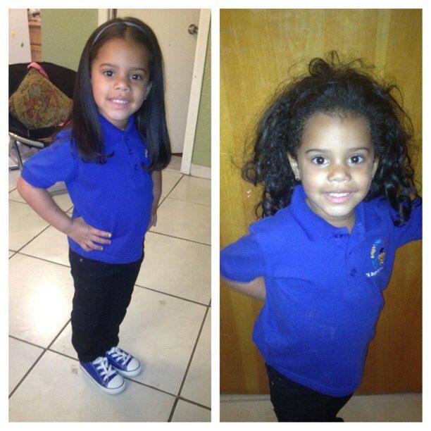 Niña con camisa azul rey, siendo fotografiada antes y después de su primer día de clases