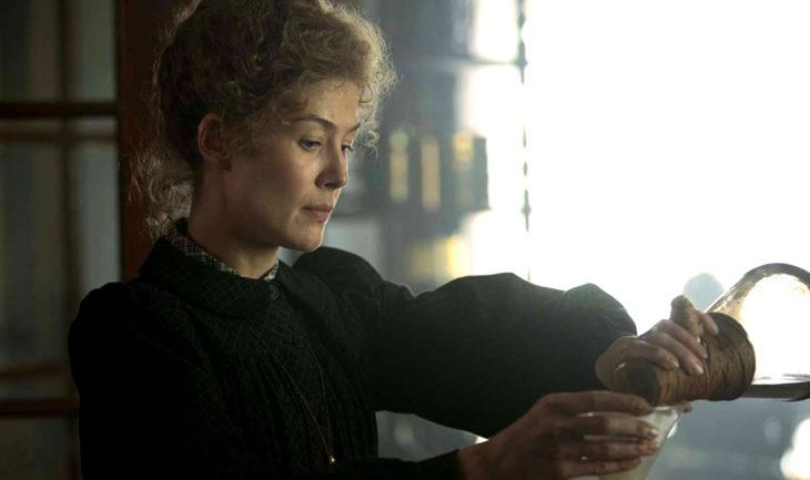 Película Radioactive, biopic de Marie Curie con la actriz Rosamund Pike