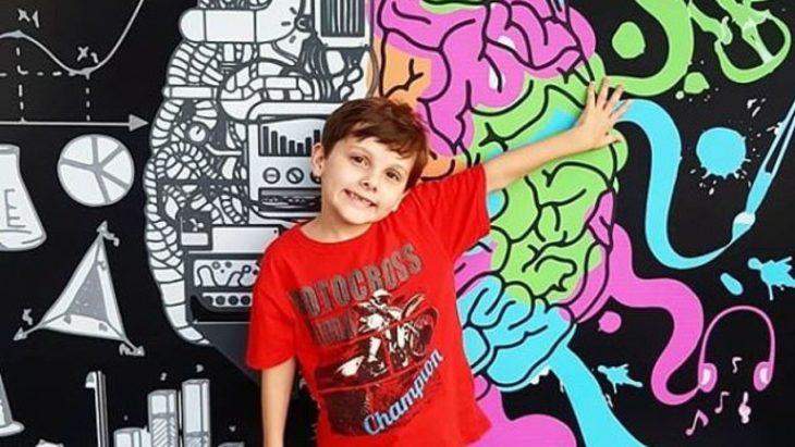 Rafael, niño autista que sabe nueve idiomas