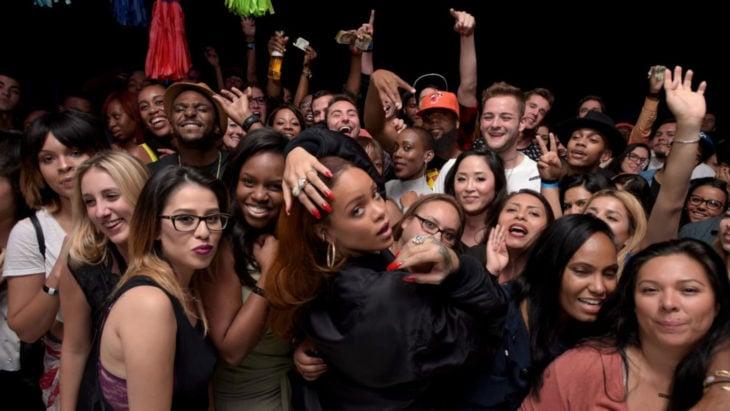 Rihanna y sus fans