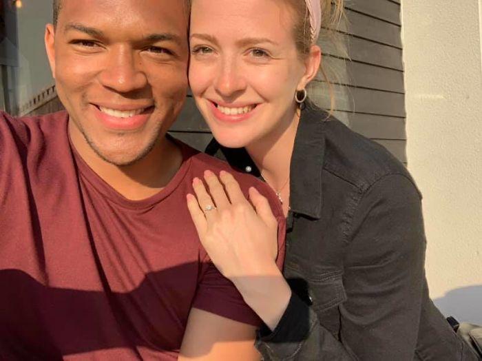 Edi Okoro y Cally comprometidos