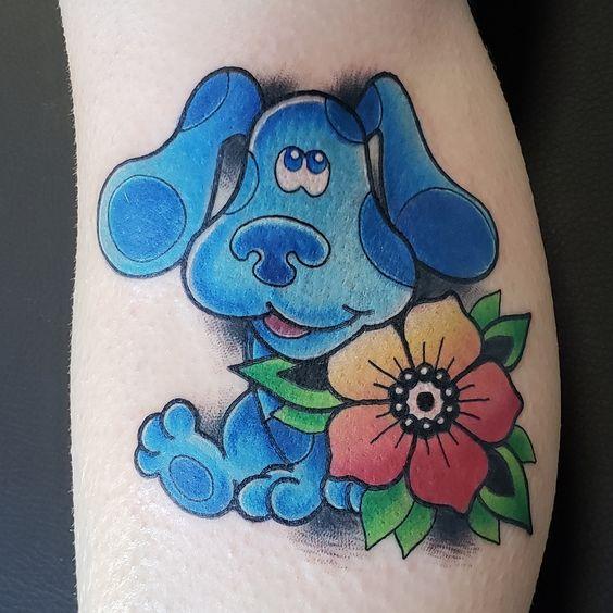 Tatuaje de la caricatura Las Pistas de Blue