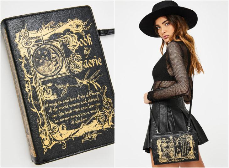 Bolso negro en forma de libro con hechizos, chica llevando un bolso colgado