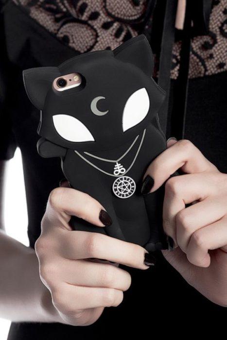 Protector para celular en forma de gato y color negro