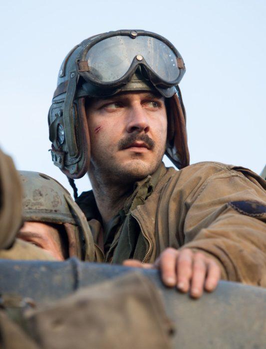 Shia Labeuf en la película Fury vestido como un militar de la segunda guerra mundial