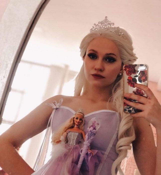 Cosplayers se disfrazan de diferentes películas de Barbie; Princesa Sugarplum, El cascanueces