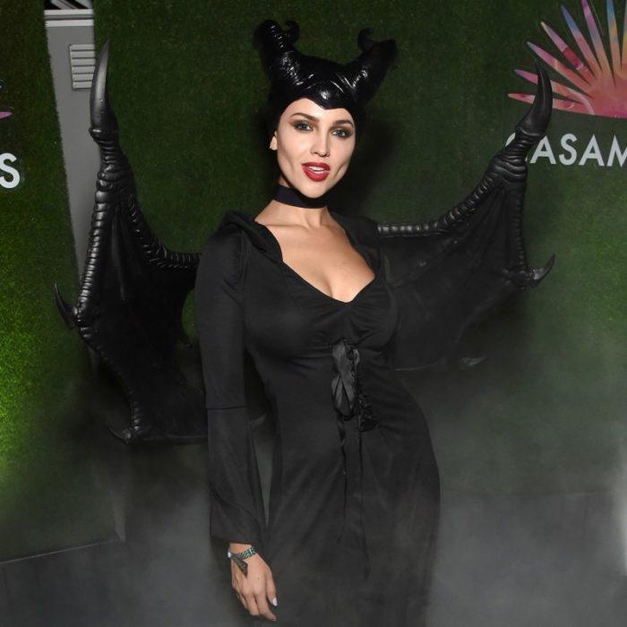 Eiza Gonzáles disfrazada como Maléfica en una fiesta de Halloween 2019