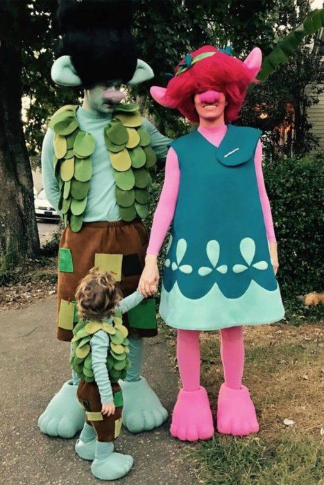 Justin y su hijo Silas Timberlake disfrazados como Trolls