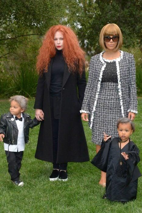 Kim Kardashian y su hija disfrzadas como vampiras en Halloween