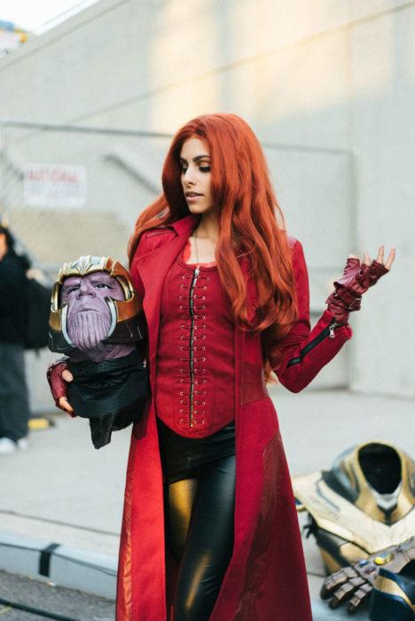 Chica disfrazada de Bruja Escarlata en New York Comic Con 2019